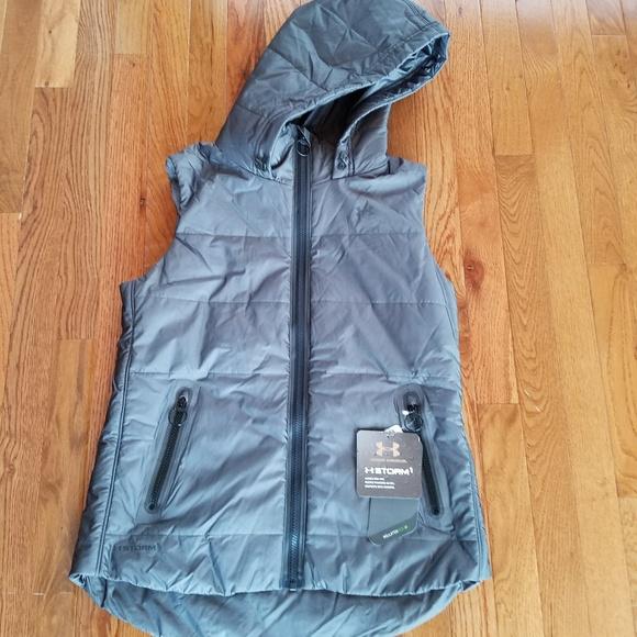 Under Armour Women s Outdoor Vest 9cc6bcdf3